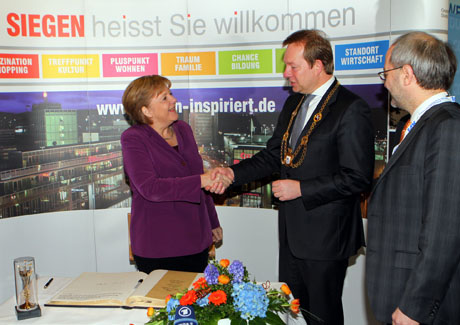 stippvisite angela merkel in siegen wirsiegen das. Black Bedroom Furniture Sets. Home Design Ideas