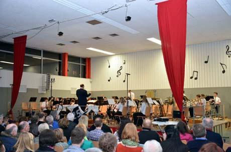 Musikverein Salchendorf 4 Seltene Auszeichnung für Rüdiger Bröhl. Dirigent mit Goldener Nadel ausgezeichnet.