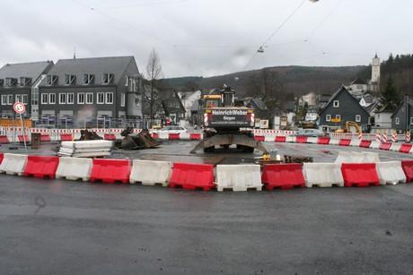 IMG 88031 Provisorischer Kreisverkehr in Eiserfelder Ortmitte eingerichtet