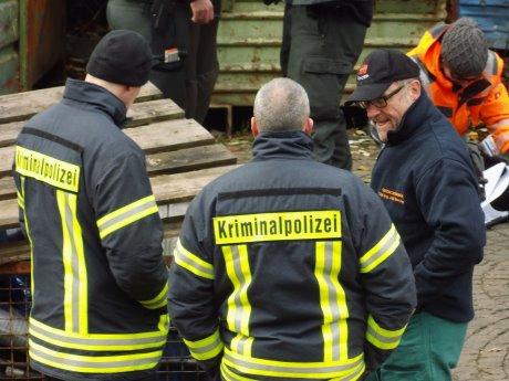 2013-11-14_Hilchenbach_Polizei-Sondereinheit_Umweltdelikt_10