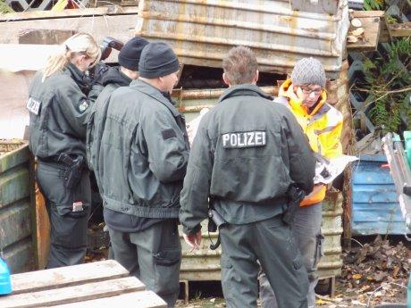2013-11-14_Hilchenbach_Polizei-Sondereinheit_Umweltdelikt_14