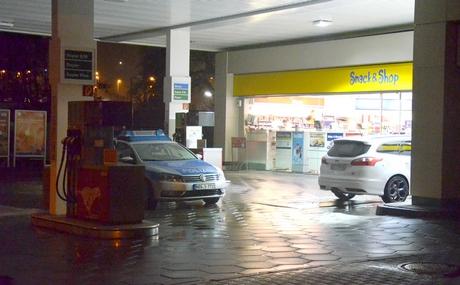 Überfall auf die Tankstelle am Effertsufer am 7. November 2013. Archiv-Foto