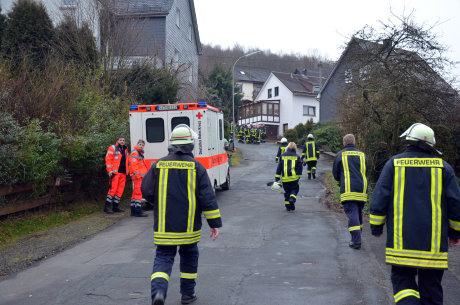 Rund 40 Kräfte der Feuerwehr waren im Einsatz. Auch das DRK war vor Ort.