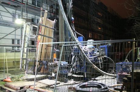 Ein Bagger hat eine Gasleitung aufgerissen. Das Leck konnte schnell wieder abgedichtet werden. Fotos (6): Jürgen Kirsch/wirSiegen.de