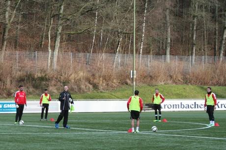 Hagner, der bis zuletzt das U23-Team der Sportfreunde trainierte, übernimmt bis zum Saisonende die Regionalliga-Mannschaft der Siegener.
