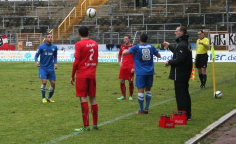 Feierte einen gelungenen Einstand als Cheftrainer: Matthias Hagner (re.).
