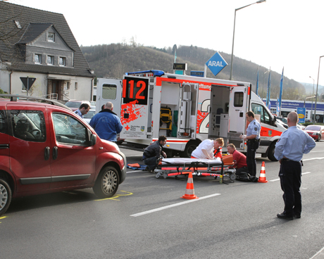 UnfallKreuztalAralFußgänger2