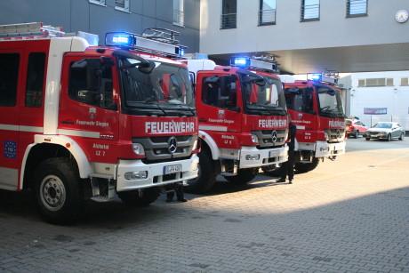 2014-04-23 Feuerwehr Fzg-Übergabe (1)