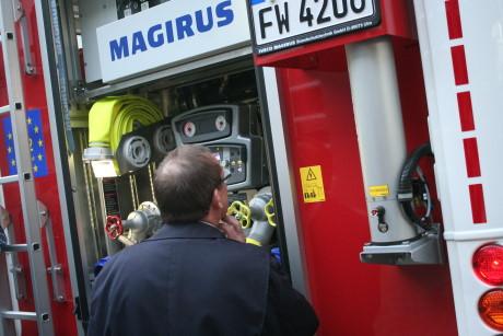 2014-04-23 Feuerwehr Fzg-Übergabe (8)