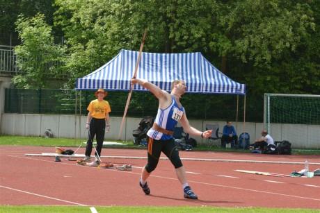 Speerwerfer Florian Bruness knackte den Siegerland-Rekord.