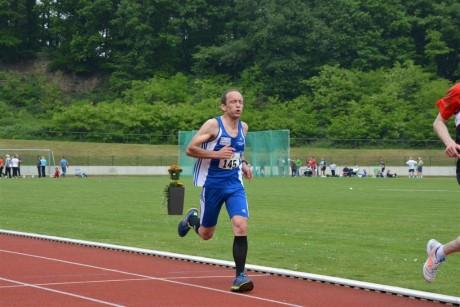 Neuzugang Frank Queißer beim 3000-Meter-Lauf.