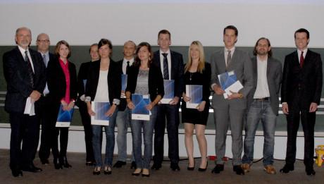 Ausgezeichnet: Die besten Absolventinnen und Absolventen eines jeden Bachelor- und Masterstudiengangs erhielten einen Preis. Foto: Uni