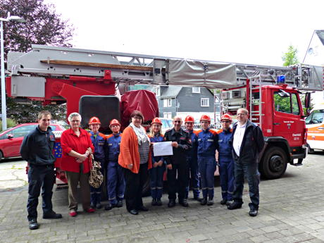 2014-06-30_Eiserfeld_Goldkonfirmation_Spende_Feuerwehr_Foto_DirkBirlenbach