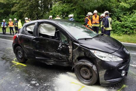 2014-07-08_Hilchenbach-Brachthausen_L728_VU_Frontal_2Verletzte_Hercher_07