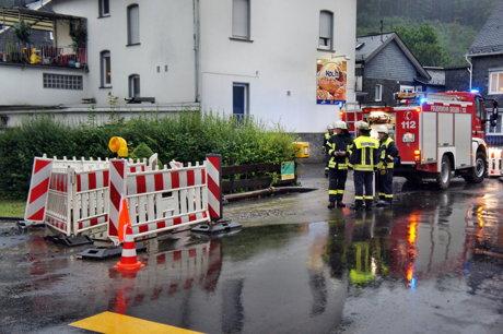 2014-07-28_Siegen-Eisern_Baustelle_ueberschwemmt_1