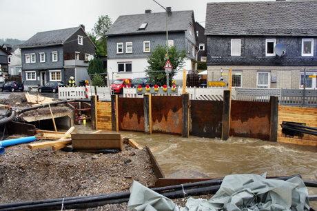 2014-07-28_Siegen-Eisern_Baustelle_ueberschwemmt_9