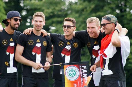 FußballWM2014FanmeileBerlin (6)