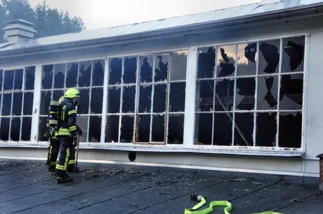 2014-07-31_Olpe_Auf_den_Huetten_Industriehalle_Maschine_brennt_HERCHER_3