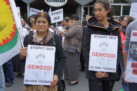 2014-08-17_Siegen-NRW_Demo_Eziden_gegen_Genozid_HERCHER_2