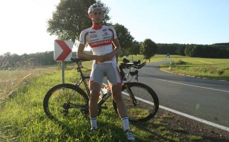 Extremradsportler Lukas Klöckner setzte sich für die gute Sache ein und startete eine Spendentour. Fotos (3): Jürgen Kirsch