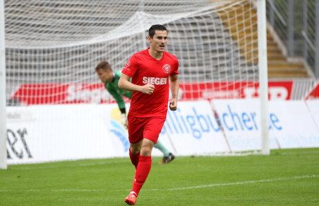 Da war die Welt noch in Ordnung: Manuel Glowacz erzielte per Elfmeter das 1:0 für die Gastgeber.