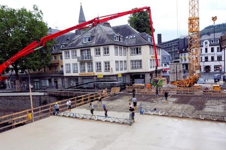 2014-09-20_Siegen_Siegbrücke_Betonieren_Foto_Herbert_Baeumer_STadt_Siegen_02