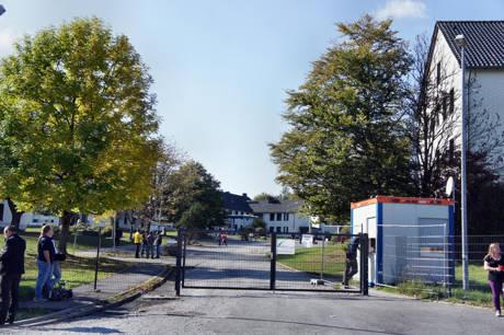 2014-10-01_Burbach_Kaserne_NRW-CDU_Laschet_vor_Ort_Foto_Hercher_1