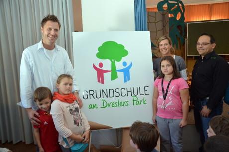 2014-10-02_Kreuztal_Grundschule_Dreslers_Park_Fest_Neuer_Name_Foto_Schade_03