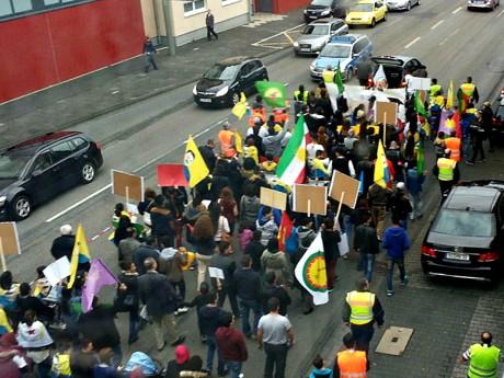 2014-10-10_Siegen_Demo_Kurden_und_Yesiden_gegen_IS_Foto_Andreas_Neef_01