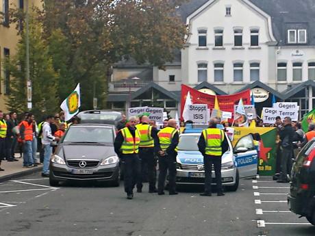 2014-10-10_Siegen_Demo_Kurden_und_Yesiden_gegen_IS_Foto_Trojak_01