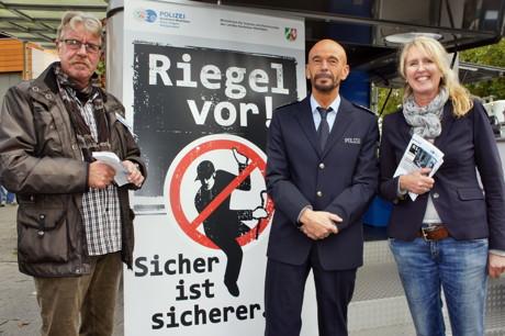 2014-10-20_Siegen_Polizei_Aktionswoche_Einbruchschutz_Foto_Hercher_6