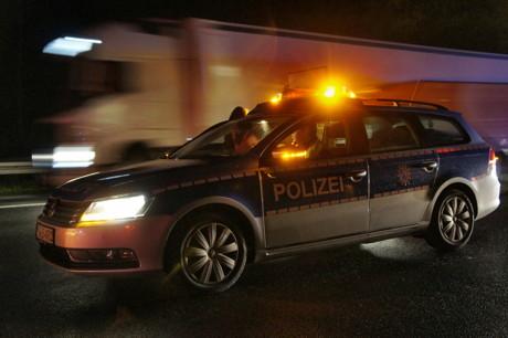 2014-10-29_Archiv_A45_Polizei_Blaulicht_Polizeiwagen_Polizeiauto_Foto_Hercher