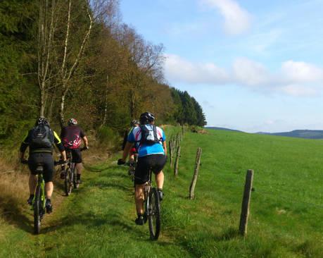 2014-11-06_Hilchenbach_Mountainbike-Abschlusstour mit Klaus Jung_Foto_Stadt_Hilchenbach_01