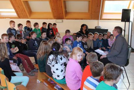 2014-11-21_Netphe_Bundesweiter Vorlesetag Grundschule Obernetphen _Foto_Stadt_Netphen