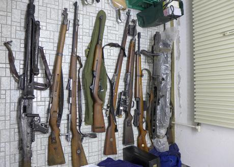 2014-11-26-Waffenlager-Burbach-Polizei
