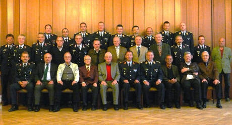 Die ehemaligen Kommandeure des Einsatzführungsdienstes trafen sich kürzlich wieder einmal zu ihrer jährlich stattfindenden Informationsveranstaltung am Luftwaffenstandort Erndtebrück. Foto: Kehle/Bundeswehr
