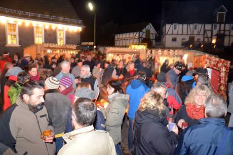 2014-11-29_Hilchenbach-Grund_Weihnachtsmarkt_Foto_Schade_03