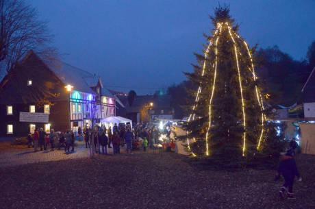 2014-12-06_Netphen_Weihnachtsmarkt_Foto_Schade_03