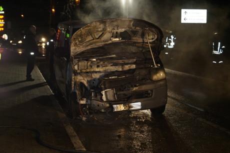 2015-01-26_Siegen_Wallhausenstr_Ikea_Brandstiftung_VW-Bus_Foto_mc_03