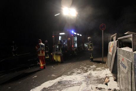 In der Breitscheidstraße in Geisweid brannte in Müllcontainer gleich zweimal.