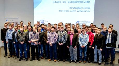 2015-03-10_Siegen_Zeugnisse Industriemeister_Technik_Foto_Kolleg
