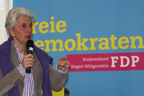 """Dr. Marie-Agnes Strack-Zimmermann. Sie sprach zum Thema """"Schuldenfreiheit und kommunale Verantwortung"""""""