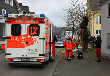2015-03-26_Kreuztal-Littfeld_Pkw_in_Haus_gefahren_Foto_mh_01_Foto_wirSiegen_4