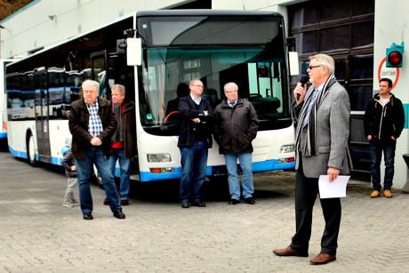 """""""Gemäß des Luftreinhalteplans dürfen ausschließlich Fahrzeuge mit einer grünen Europlakette den ausgewiesenen Bereich passieren"""", so Geschäftsführer Klaus-Dieter Wern. """"Da der aktuelle Busbestand dies unmöglich machte, waren Veränderungen in unserem Fuhrpark unabdingbar""""."""
