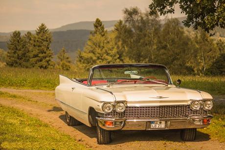 Cadillac DeVille Cabrio Oldtimer 60er Jahre creme weiss zum Mitene mit Chauffeur und selber Fahren