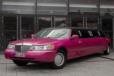 Lincoln Pinke Stretchlimousine Chrysler Pink Karaoke Pink Rosa mieten Siegen