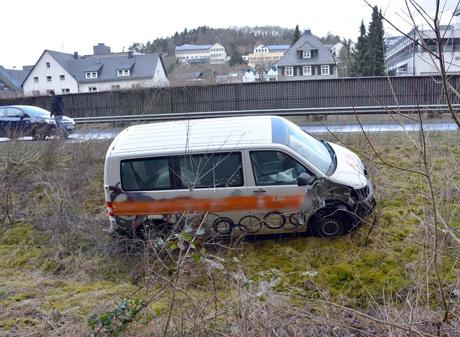 Unfall-überAmpel-gefahren (1)