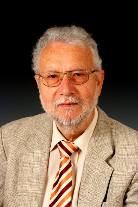 Emeritus Prof. Dr. Claus Grupen erhält Auszeichnung der Helmholtz Alliance for Astroparticle Physics (HAP) für seine Verdienste in der Astroteilchenphysik. (Foto: Uni)