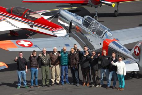 Famiientreffen der Kunstflug-Asse: Aerobatic-Piloten aus ganz Deutschland treffen sich jährlich nach Ostern auf dem Siegerlandflughafen, um für die neue Showsaison zu trainieren. (Foto: Sven Vollert)