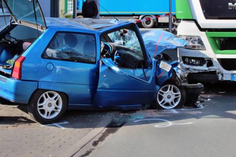 2015-04-13_Olpe_Verkehrsunfall_Person_eingeklemmt_Foto_mg_6